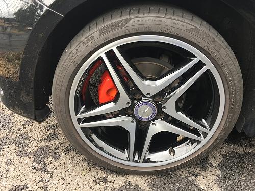 W176 キャリパー塗装 AMG